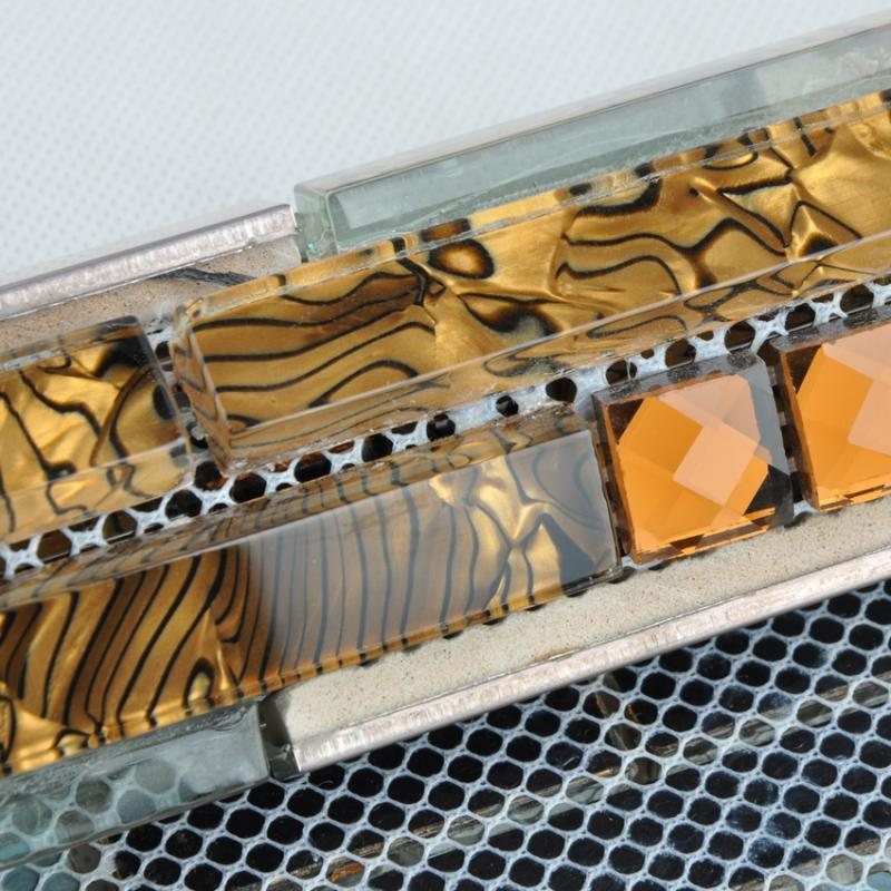 details of the interlocking mosaic tiles DD13-4